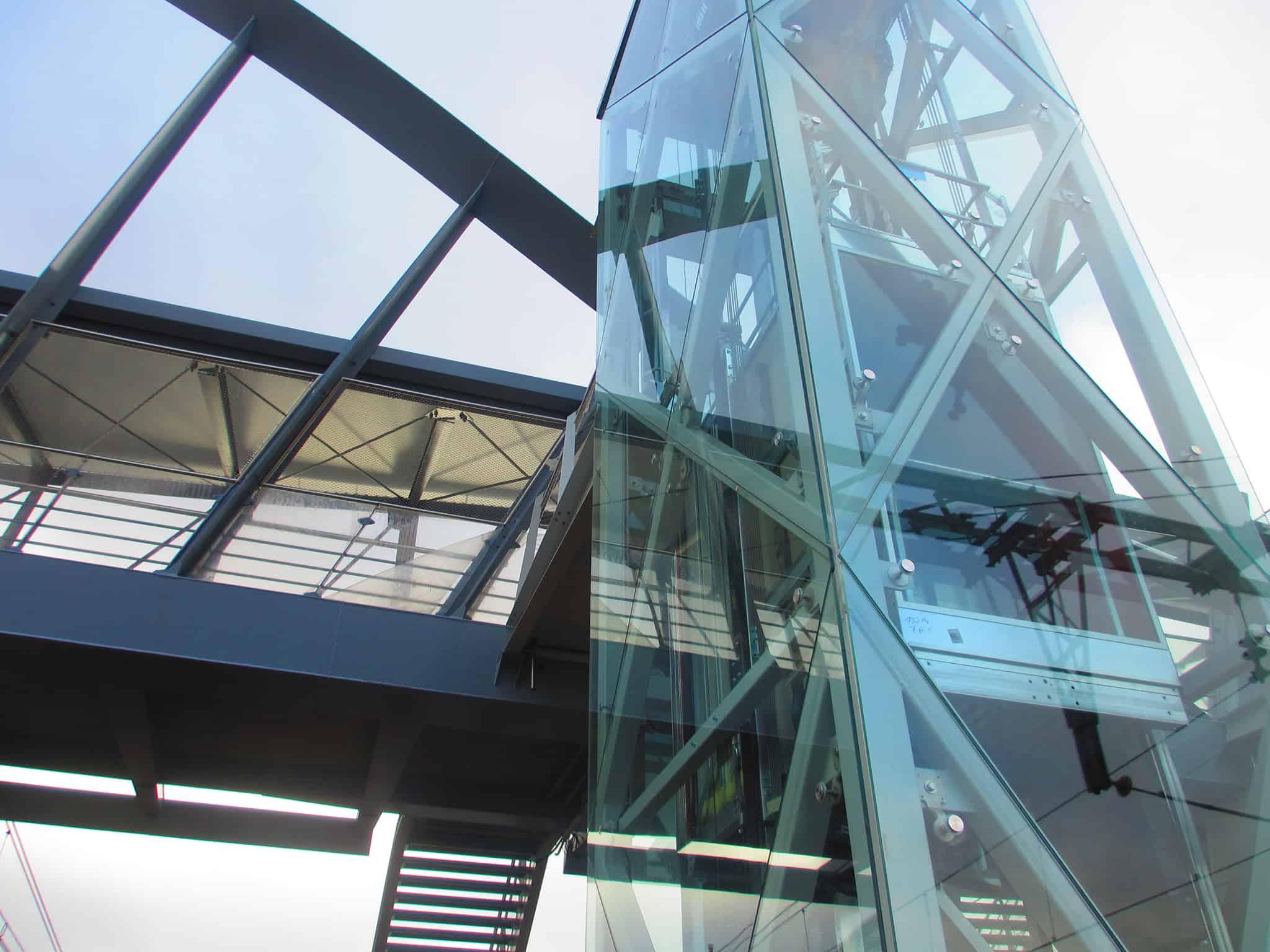 B+M Architecture - Détail d'ascenseur