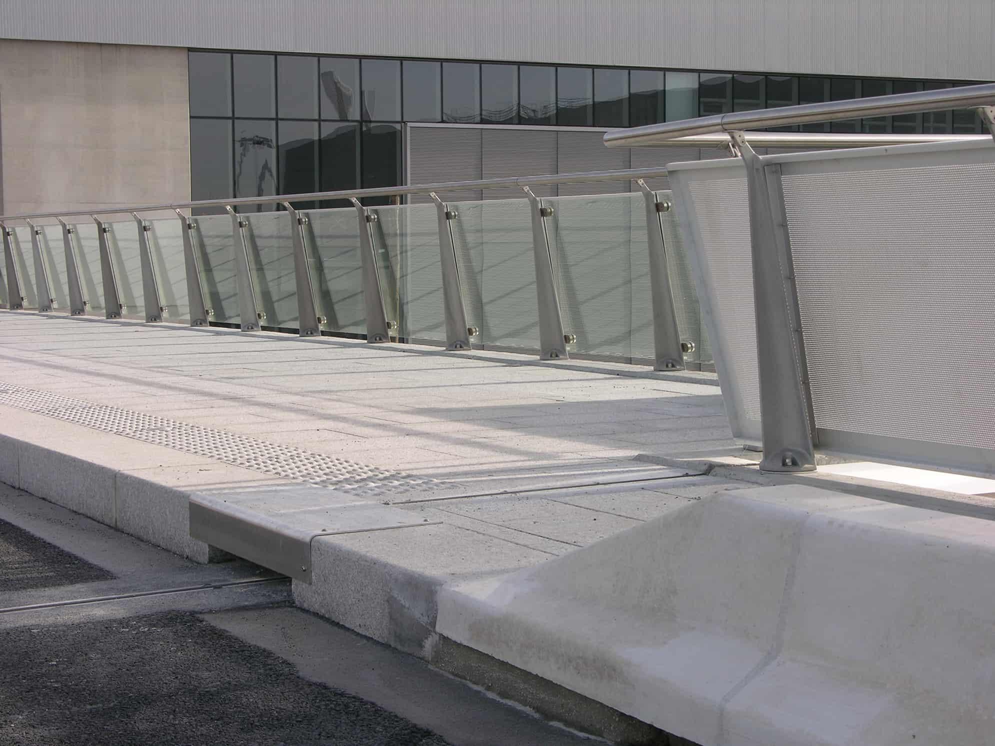 B+M Architecture - Le garde-corps en verre